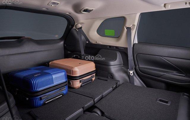 [Hot]Mitsubishi Outlander 2.0 Premium 2020, giảm ngay 50% TTB, giảm giá tiền mặt, tặng phụ kiện chính hãng, giao xe ngay5