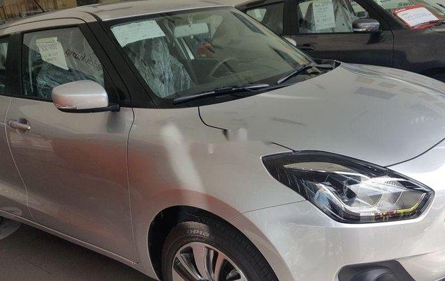 Thanh lý gấp Suzuki Swift GLX sản xuất năm 2018, màu bạc2