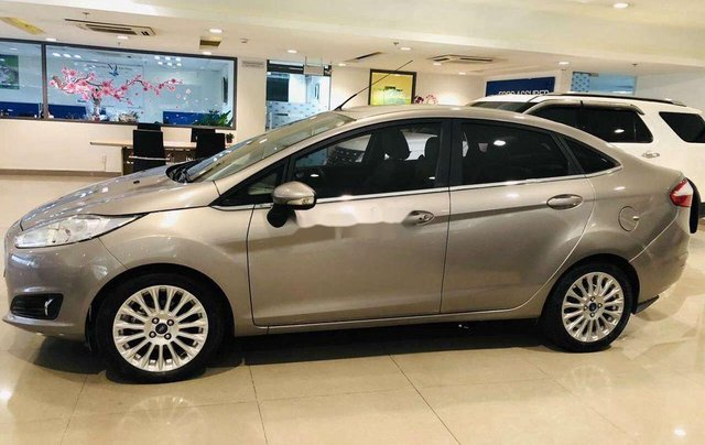 Bán Ford Fiesta đời 2017, màu xám, hỗ trợ mua trả góp4