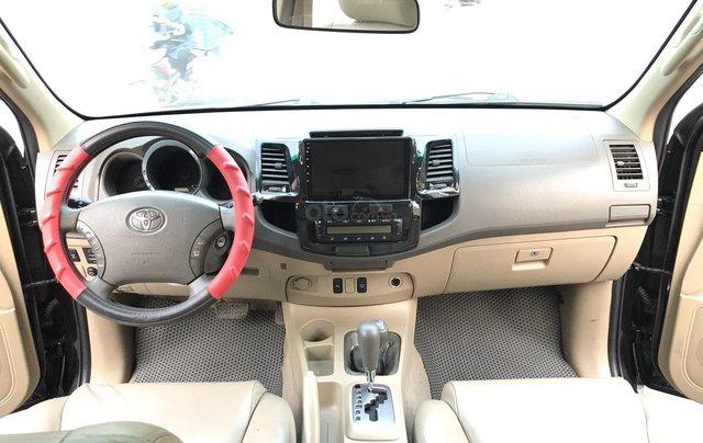 Toyota Fortuner 2.7V 4x4AT đời 2010, màu đen, tự động. Xe 1 chủ đi từ mới cứng5