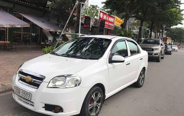 Cần bán lại xe Daewoo Gentra 1.5 đời 2008, màu trắng còn mới 0
