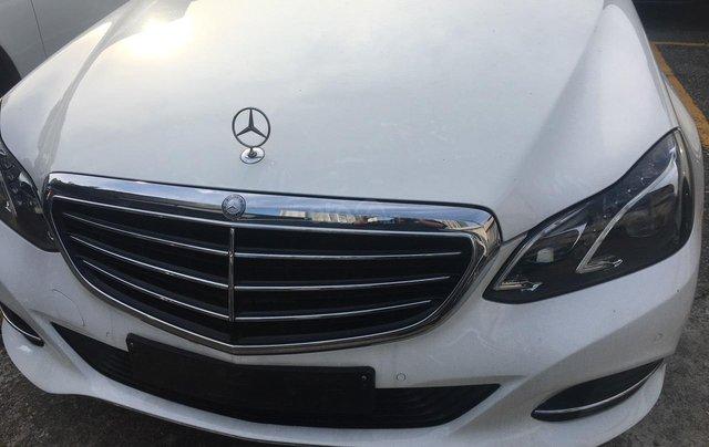 Gia đình cần bán Mercedes E200 SX 2015 còn mới, full đồ, đi giữ gìn, giá cạnh tranh0