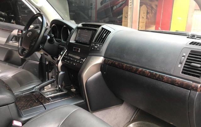 Toyota Land Cruiser  2011 bản nhập Trung Đông5