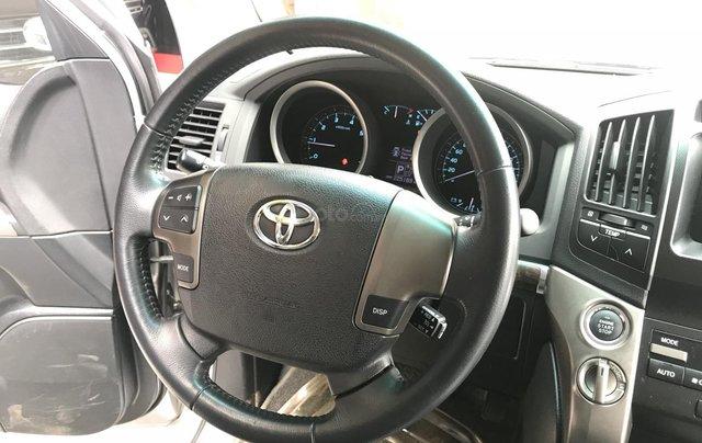 Toyota Land Cruiser  2011 bản nhập Trung Đông7