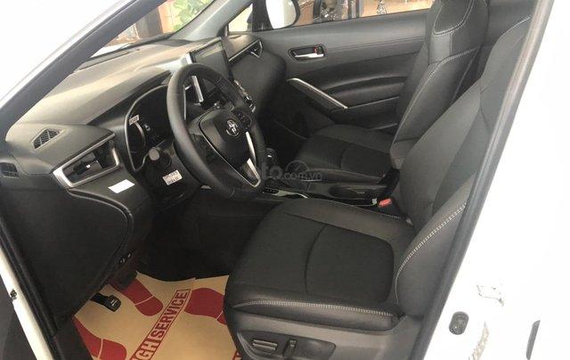 Bán Toyota Corolla Cross 1.8V trắng ngọc trai, giao ngay4