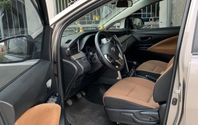 Bán Toyota Innova đăng ký 2017, màu xám (ghi), xe nhập, giá 565 triệu đồng2
