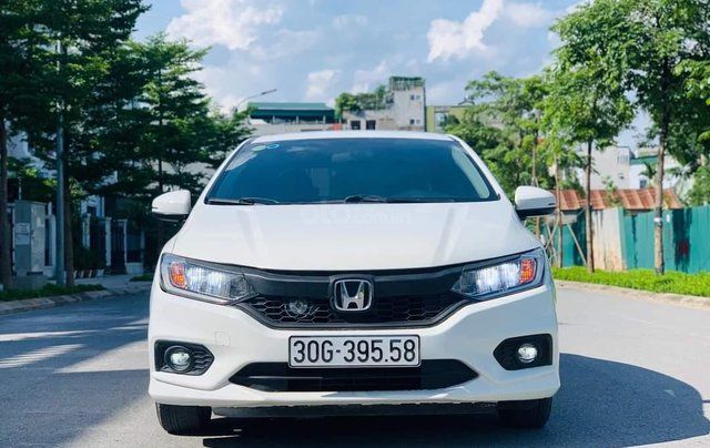 Cần bán gấp Honda City Top 1.5 AT sản xuất năm 2018, chính chủ Hà Nội0