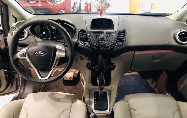 Bán Ford Fiesta đời 2017, màu xám, hỗ trợ mua trả góp3
