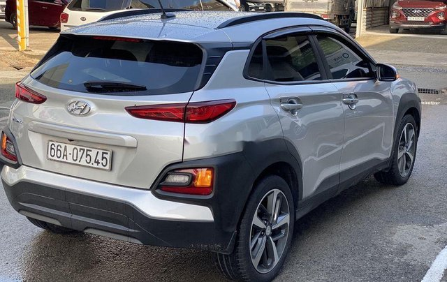 Cần bán lại xe Hyundai Kona sản xuất năm 2018 còn mới3