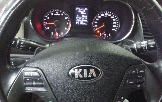 Cần bán gấp Kia K3 sản xuất năm 2015, màu trắng chính chủ6