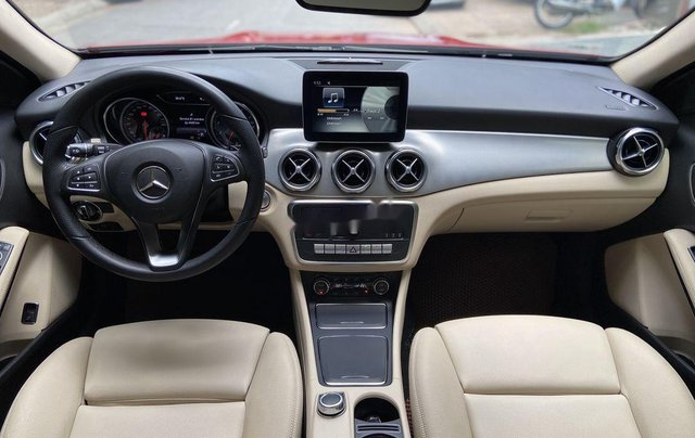 Bán Mercedes GLA 200  Facelift đời 2017, màu đỏ, xe nhập6