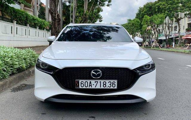 Cần bán xe Mazda 3 đời 2020, màu trắng, giá chỉ 850 triệu1