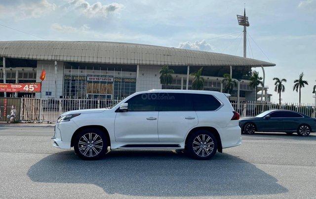 Chính chủ bán Lexus LX 570 Super Sport V8 dung tích 5.7L, sản xuất 2016, màu trắng nội thất kem, nhập chính hãng từ đầu2