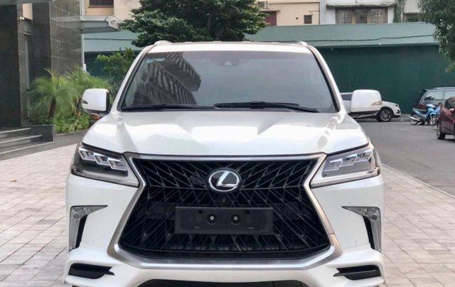 Xe chính chủ bán Lexus LX 570 2016 màu trắng nội thất nâu da bò, xe bảo dưỡng đầy đủ tại hãng1