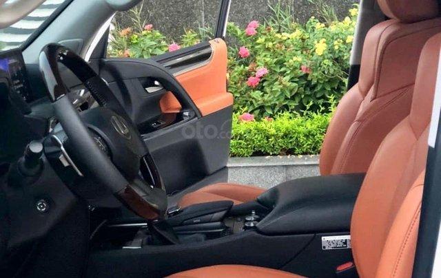 Xe chính chủ bán Lexus LX 570 2016 màu trắng nội thất nâu da bò, xe bảo dưỡng đầy đủ tại hãng5
