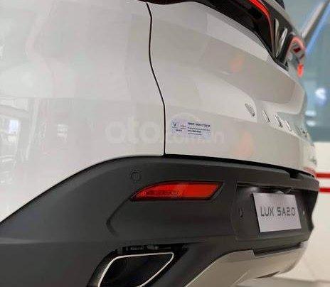 Xe VinFast LUX SA 2.0 AT 2020, màu trắng3