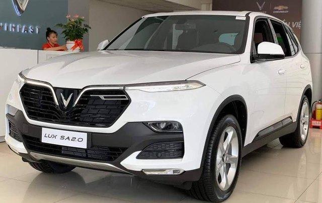 Xe VinFast LUX SA 2.0 AT 2020, màu trắng2