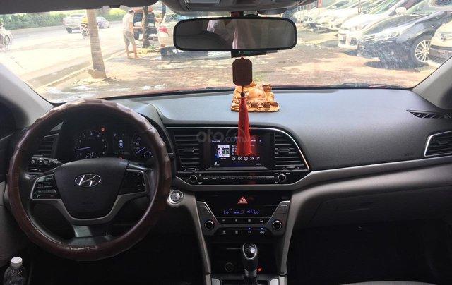 Bán Hyundai Elantra đời 2016, màu đỏ6