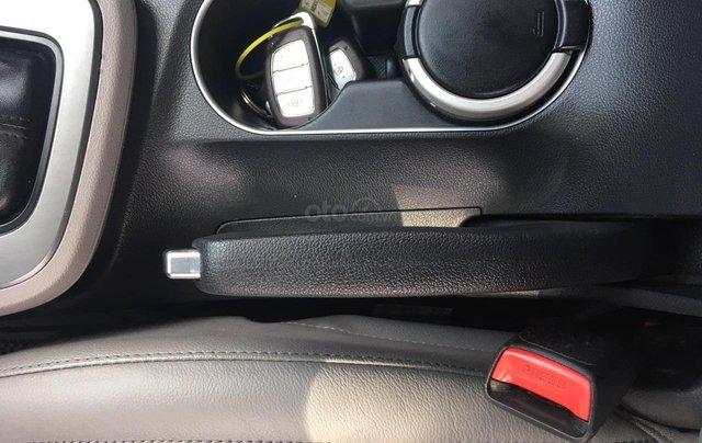 Bán Hyundai Elantra đời 2016, màu đỏ7