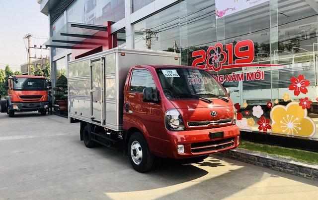 Xe tải Thaco Kia 2T4 tải trọng vào thành phố, động cơ Hyundai nhập khẩu 100%7