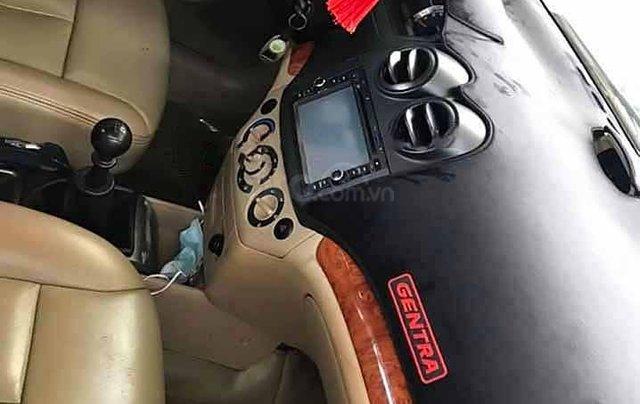 Xe Daewoo Gentra năm sản xuất 2009, màu bạc còn mới 3