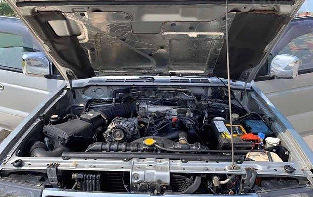 Cần bán gấp Mitsubishi Pajero 3.0 sản xuất năm 2005, màu bạc 4