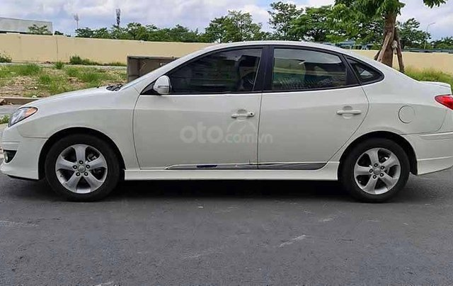 Bán Hyundai Avante năm sản xuất 2011, màu trắng còn mới0