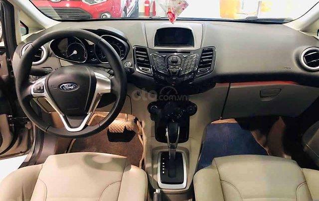 Cần bán xe Ford Fiesta Titanium sản xuất năm 2017, màu xám  4
