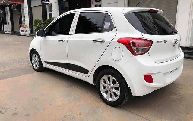 Bán Hyundai Grand i10 1.2 AT năm sản xuất 2016, màu trắng, nhập khẩu 1