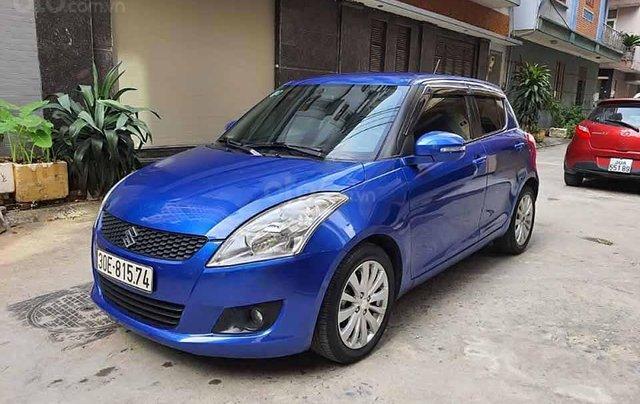 Cần bán gấp Suzuki Swift năm sản xuất 2017, màu xanh lam  0