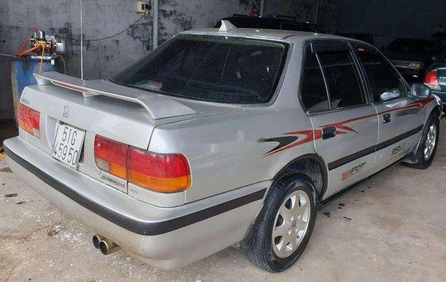 Gia đình bán xe Honda Accord năm 1992, màu bạc2