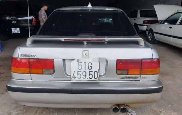 Gia đình bán xe Honda Accord năm 1992, màu bạc1