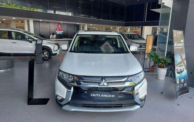 Bán Mitsubishi Outlander năm 2019, màu trắng, ưu đãi hấp dẫn0