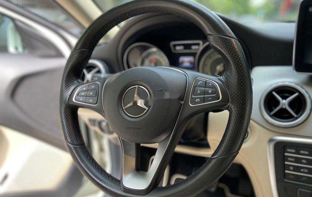 Bán xe Mercedes GLA200 đời 2015, màu trắng, nhập khẩu7