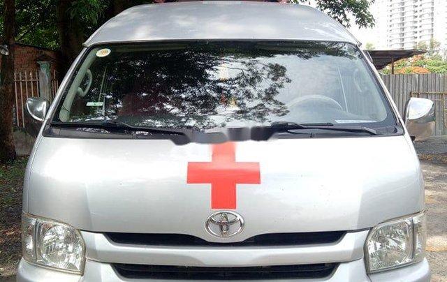 Chính chủ bán xe cứu thương Toyota Hiace sản xuất năm 2014, màu bạc0