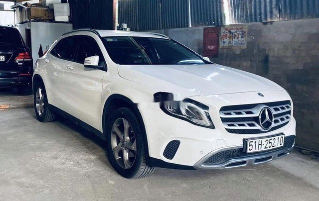 Bán ô tô Mercedes GLA 200 sản xuất 2020, màu trắng1