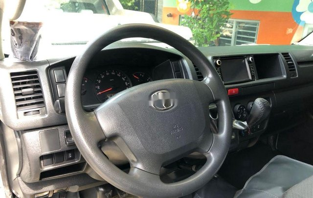 Chính chủ bán Toyota Hiace sản xuất 2014, màu bạc, máy dầu6