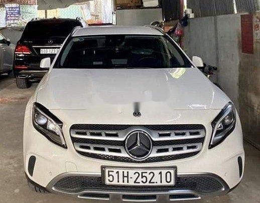 Bán ô tô Mercedes GLA 200 sản xuất 2020, màu trắng0