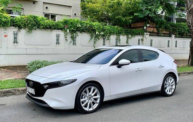 Cần bán xe Mazda 3 đời 2020, màu trắng, giá chỉ 850 triệu0
