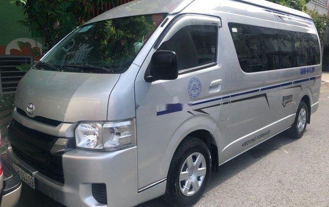Chính chủ bán Toyota Hiace sản xuất 2014, màu bạc, máy dầu2
