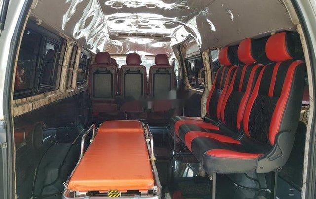 Chính chủ bán xe cứu thương Toyota Hiace sản xuất năm 2014, màu bạc9