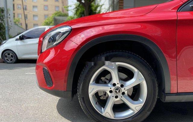 Bán Mercedes GLA 200  Facelift đời 2017, màu đỏ, xe nhập3