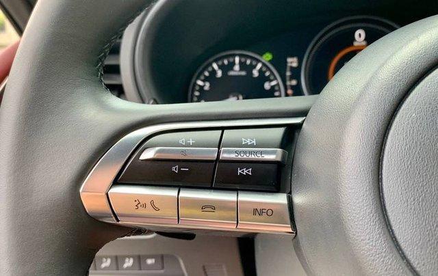 Cần bán xe Mazda 3 đời 2020, màu trắng, giá chỉ 850 triệu15