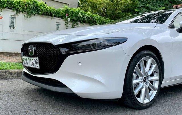 Cần bán xe Mazda 3 đời 2020, màu trắng, giá chỉ 850 triệu3
