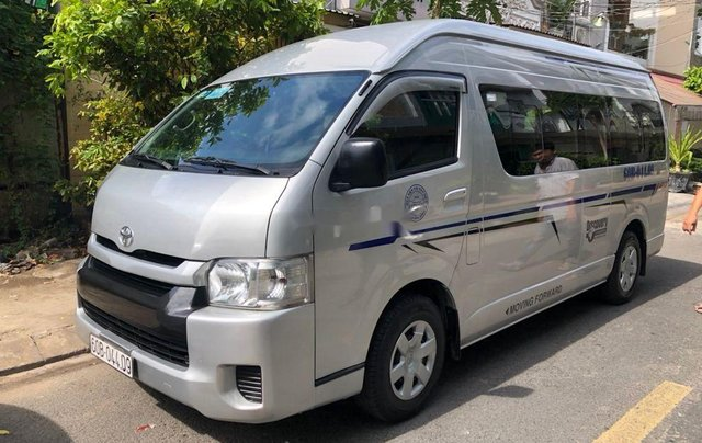 Chính chủ bán Toyota Hiace sản xuất 2014, màu bạc, máy dầu0