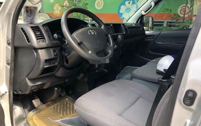 Chính chủ bán Toyota Hiace sản xuất 2014, màu bạc, máy dầu5