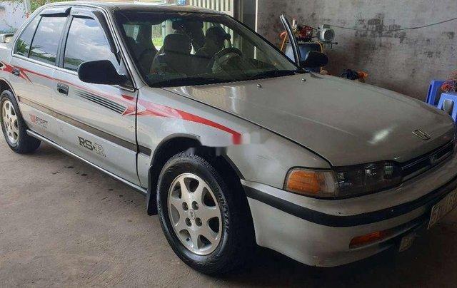 Gia đình bán xe Honda Accord năm 1992, màu bạc4