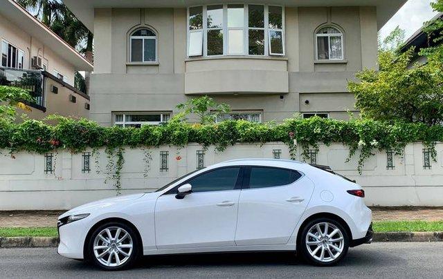 Cần bán xe Mazda 3 đời 2020, màu trắng, giá chỉ 850 triệu2