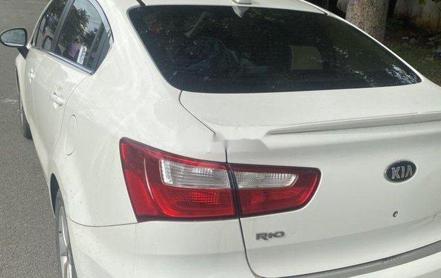 Bán Kia Rio sản xuất năm 2017, màu trắng, nhập khẩu, giá chỉ 335 triệu1