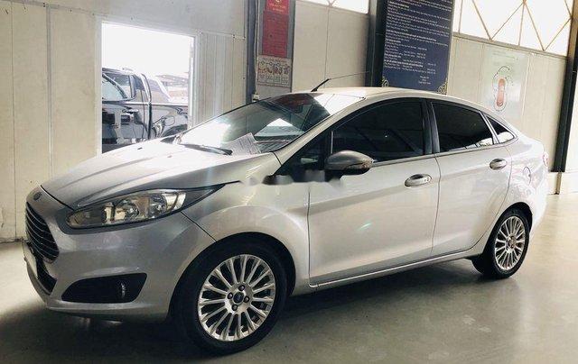 Chính chủ bán Ford Fiesta Titanium sản xuất 2015, màu bạc0